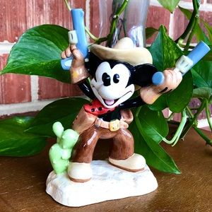 2-Gun Mickey Collectible Decor